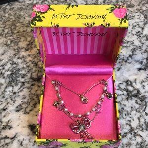 Betsey Johnson Necklace new with tags!